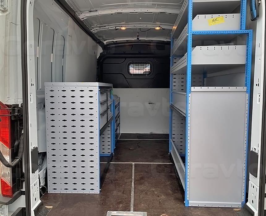 Изготовление и установка системы из трех стеллажей в фургон Ford Transit: Установка стеллажей в кузов фургона Форд Транзит